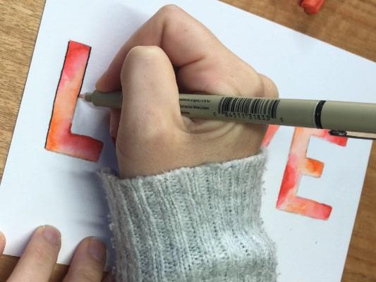 contorno caligráfico postal